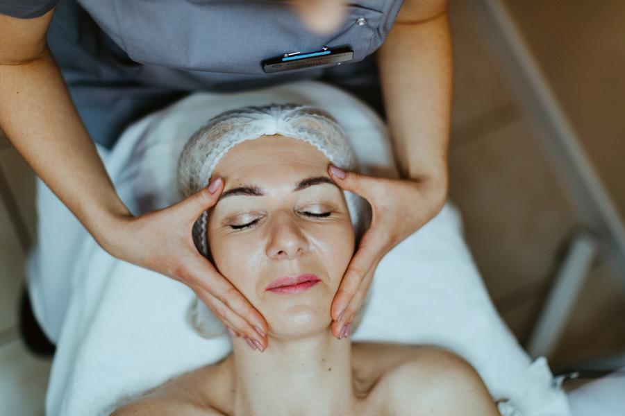 galeria masaż twarzy, szyi i dekoltu